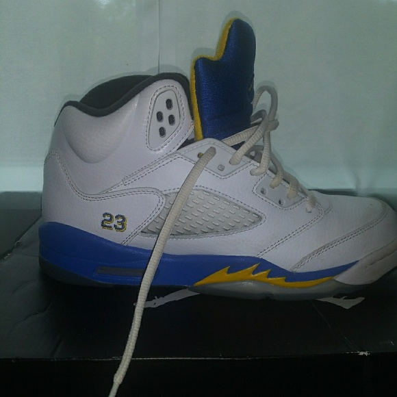 hot sales a8f4c a2ee9 Air Jordan 5s, blue and yellow